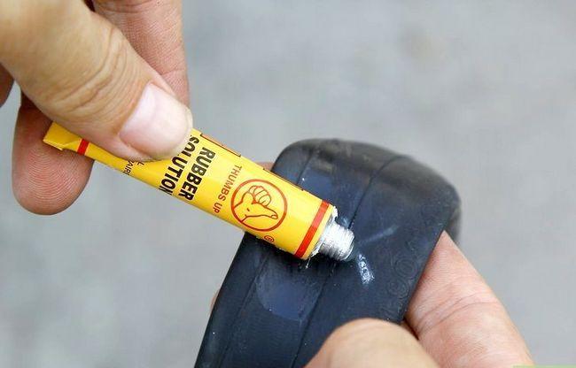 एक बाइक टायर चरण 11 में एक पंचर में मिला छवि