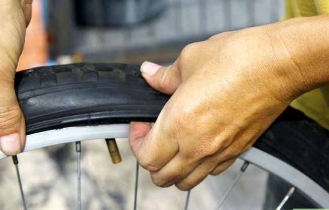 एक बाइक टायर चरण 14 में एक पंचर में मिला छवि