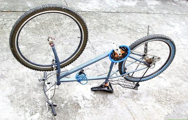 एक बाइक टायर चरण 2 में एक पंचर में मिला छवि