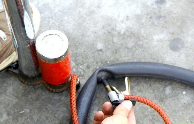 एक बाइक टायर में चरण 7 में सुधार करें