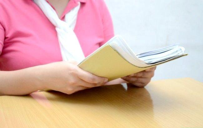 एक समाचार पत्र के लेख में उद्धरणों का उपयोग कैसे करें