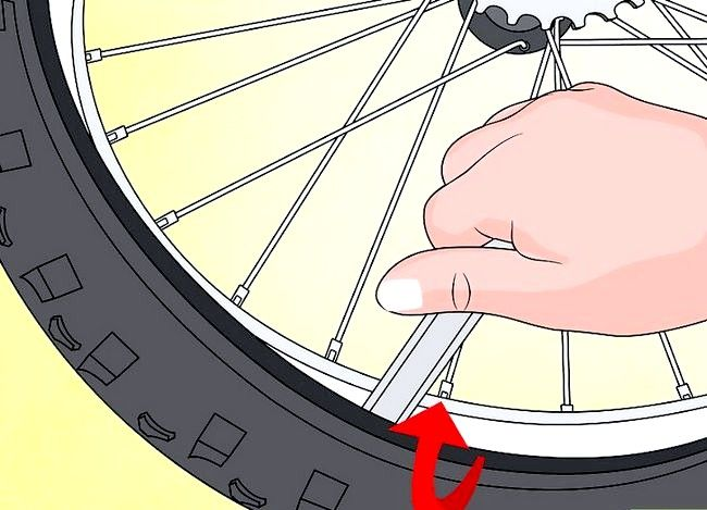 स्टुडेड हिम टायर्स में कन्वर्ट साइकिल टायर्स शीर्षक वाली छवि चरण 6