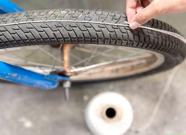 छवि शीर्षक वाला एक साइकिल व्हील चरण 11