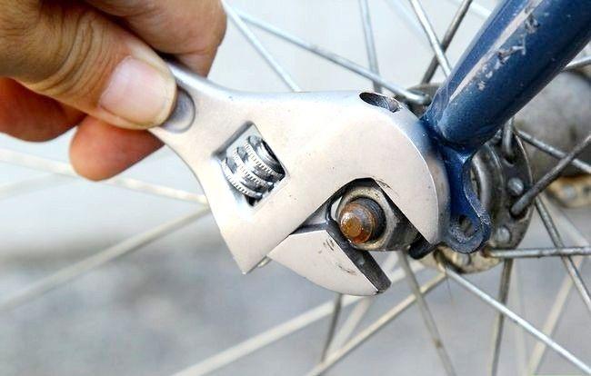 छवि शीर्षक वाला पैच ए साइकिल ट्यूब चरण 1 बुलेट 1