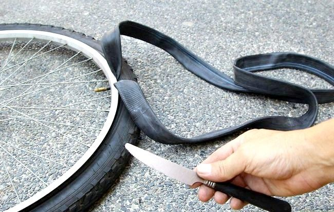 छवि शीर्षक वाला पैच ए साइकिल ट्यूब चरण 2 बुलेट 1
