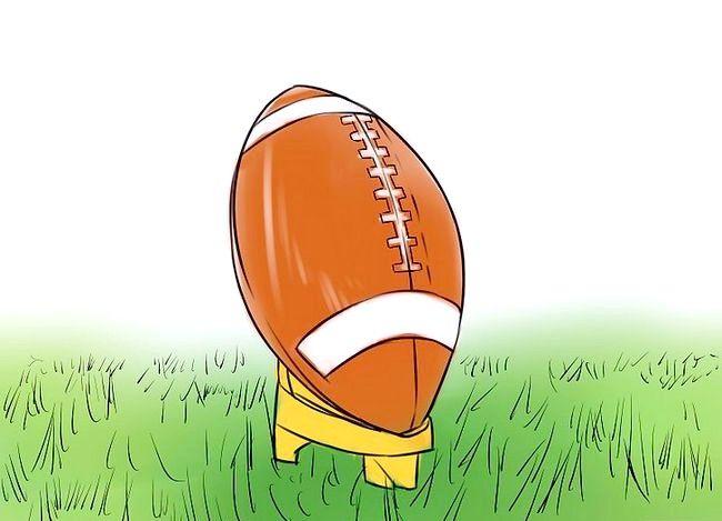 फुटबॉल में किक करने के लिए