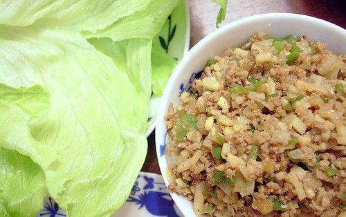 जमीन के मांस और हरी मिर्च के साथ एक डिश कैसे तैयार