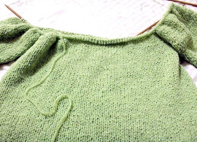निट अ रेगलन स्लीइव स्वेटर चरण 6